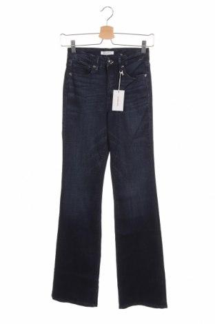 Дамски дънки Good American, Размер S, Цвят Син, 48% лиосел, 45% памук, 6% други материали, 1% еластан, Цена 31,15лв.