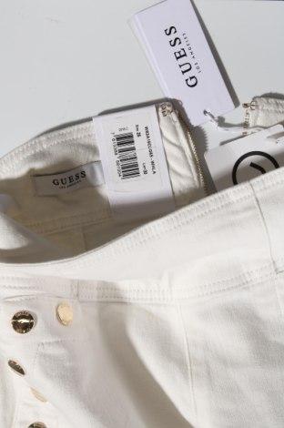 Дамски дънки Guess, Размер XS, Цвят Екрю, 98% памук, 2% еластан, Цена 111,75лв.