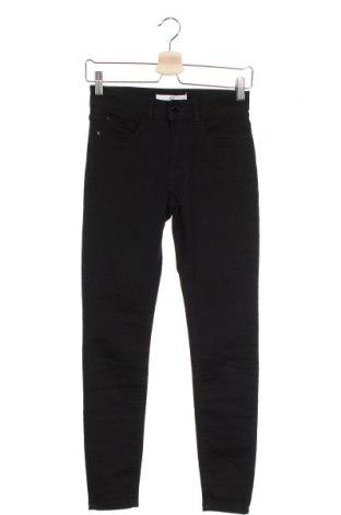 Дамски дънки Jacqueline De Yong, Размер S, Цвят Черен, 68% памук, 30% полиестер, 2% еластан, Цена 48,00лв.
