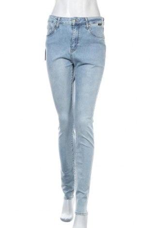 Дамски дънки Mavi, Размер M, Цвят Син, 84% памук, 9% полиестер, 5% вискоза, 2% еластан, Цена 25,90лв.