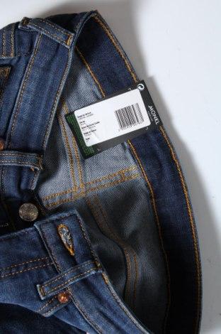 Дамски дънки Monki, Размер S, Цвят Син, 86% памук, 12% полиестер, 2% еластан, Цена 19,27лв.