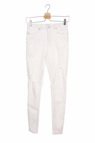 Дамски дънки ONLY, Размер S, Цвят Бял, 98% памук, 2% еластан, Цена 21,12лв.