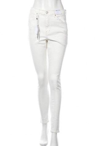 Дамски дънки Topshop, Размер L, Цвят Бял, 92% памук, 8% еластан, Цена 21,90лв.