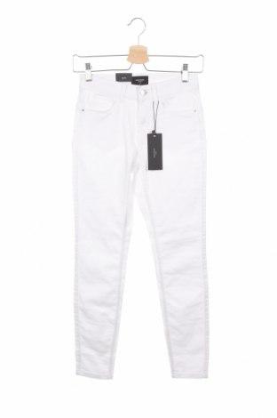 Dámské džíny  Vero Moda, Velikost XS, Barva Bílá, 66% bavlna, 32% polyester, 2% elastan, Cena  231,00Kč