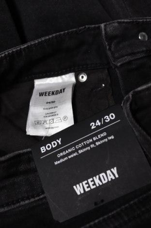 Дамски дънки Weekday, Размер XXS, Цвят Черен, 88% памук, 9% полиестер, 3% еластан, Цена 17,01лв.