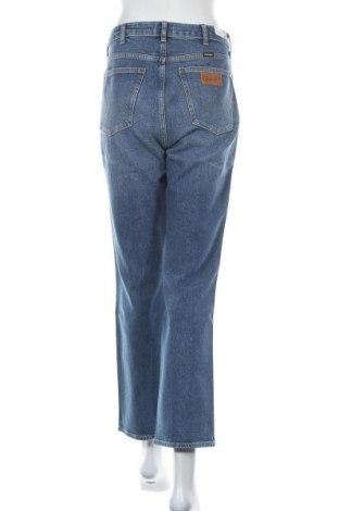 Дамски дънки Wrangler, Размер XL, Цвят Син, 99% памук, 1% еластан, Цена 33,39лв.