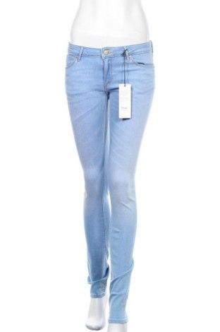 Дамски дънки Wrangler, Размер S, Цвят Син, 91% памук, 9% еластан, Цена 30,42лв.