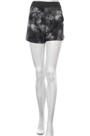 Дамски къс панталон Active By Tchibo, Размер M, Цвят Сив, 90% полиестер, 10% еластан, Цена 15,44лв.