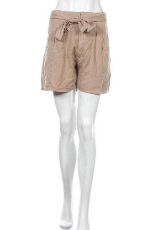 Дамски къс панталон Vero Moda, Размер XL, Цвят Бежов, Лиосел, Цена 14,04лв.