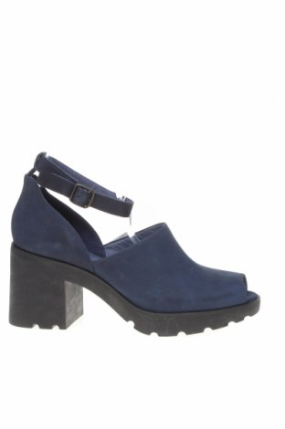 Дамски обувки Camper, Размер 41, Цвят Син, Естествена кожа, Цена 171,99лв.