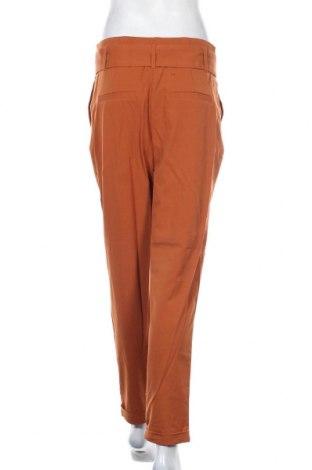 Дамски панталон ONLY, Размер M, Цвят Кафяв, 63% полиестер, 33% вискоза, 4% еластан, Цена 17,22лв.