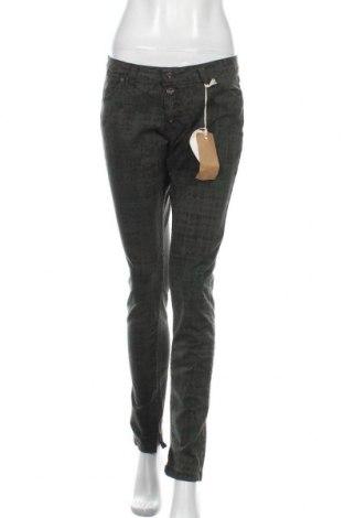 Дамски панталон Please, Размер L, Цвят Зелен, 97% памук, 3% еластан, Цена 21,93лв.