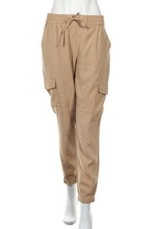 Дамски панталон Vila, Размер M, Цвят Бежов, 90% вискоза, 10% полиестер, Цена 22,47лв.