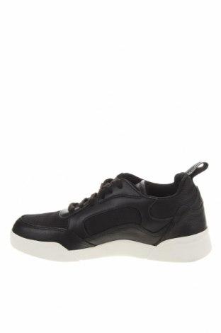Мъжки обувки Lyle & Scott, Размер 38, Цвят Черен, Естествена кожа, текстил, Цена 46,19лв.