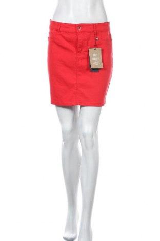Fustă Vero Moda, Mărime M, Culoare Roșu, 82% bumbac, 16% viscoză, 2% elastan, Preț 103,62 Lei