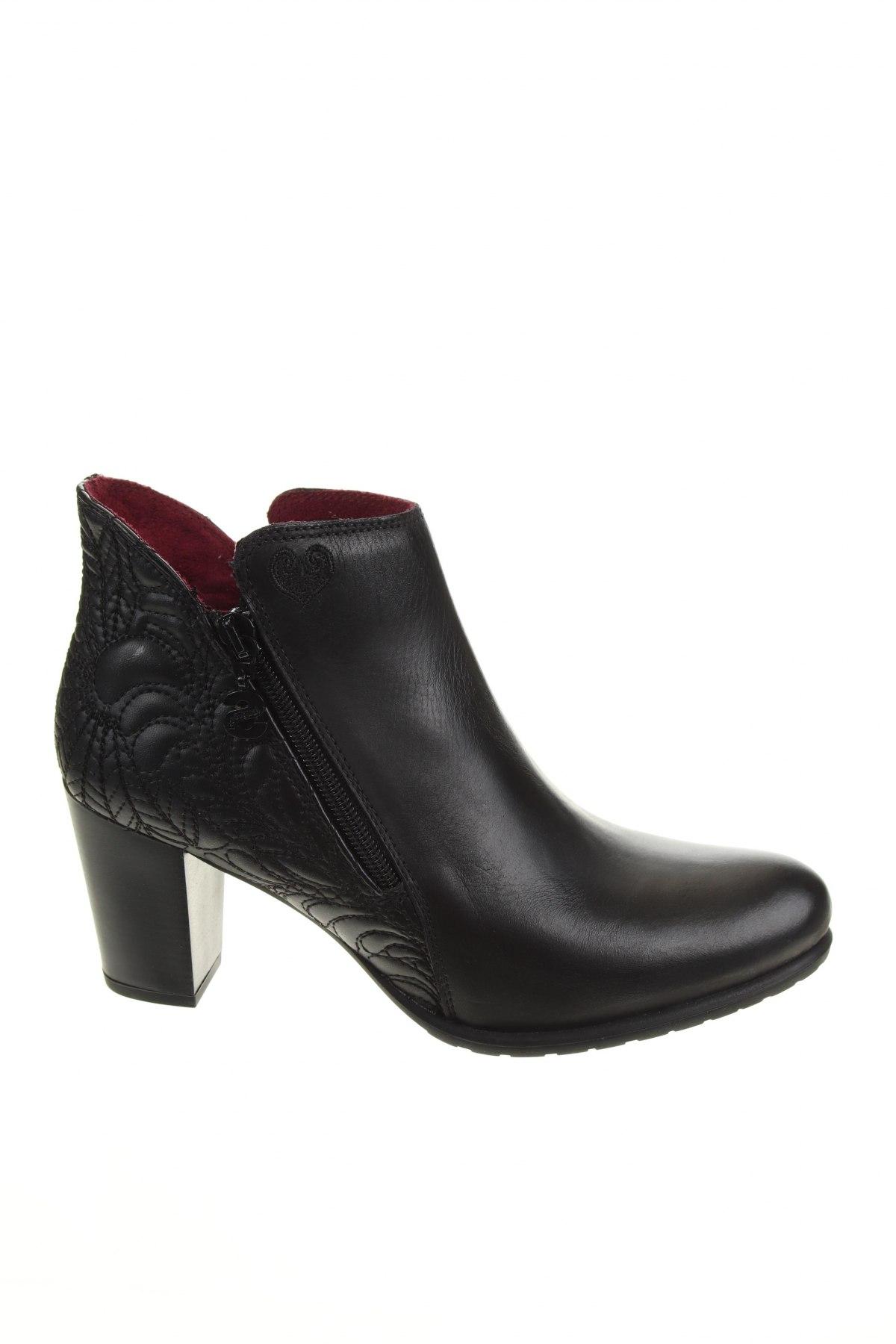 Дамски боти Desigual, Размер 40, Цвят Черен, Естествена кожа, Цена 189,00лв.
