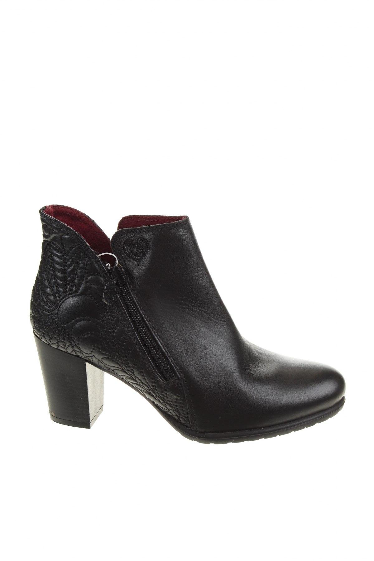 Дамски боти Desigual, Размер 36, Цвят Черен, Естествена кожа, Цена 189,00лв.