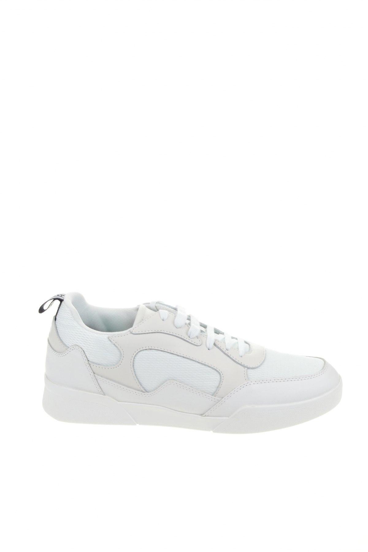 Мъжки обувки Lyle & Scott, Размер 45, Цвят Бял, Естествена кожа, текстил, Цена 55,13лв.