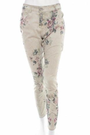 Pantaloni de femei Amisu