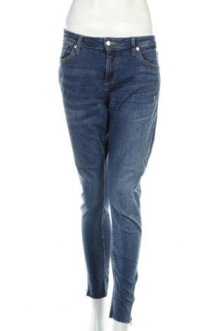 Damskie jeansy Q/S by S.Oliver, Rozmiar L, Kolor Niebieski, 99% bawełna, 1% elastyna, Cena 39,10zł
