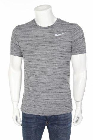 Мъжка тениска Nike, Размер M, Цвят Сив, Полиестер, Цена 34,20лв.