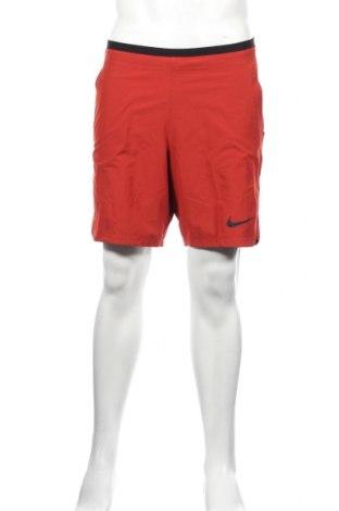 Мъжки къс панталон Nike, Размер M, Цвят Червен, 90% полиестер, 10% еластан, Цена 61,20лв.