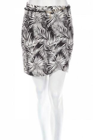 Пола H&M, Размер S, Цвят Бял, Вискоза, Цена 5,06лв.