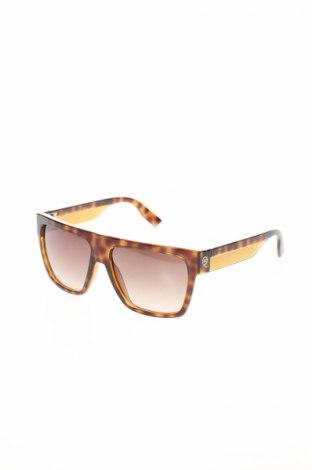 Слънчеви очила Alexander Mcqueen, Цвят Черен, Цена 226,17лв.