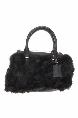 Дамска чанта Forever New, Цвят Черен, Еко кожа, текстил, Цена 23,52лв.