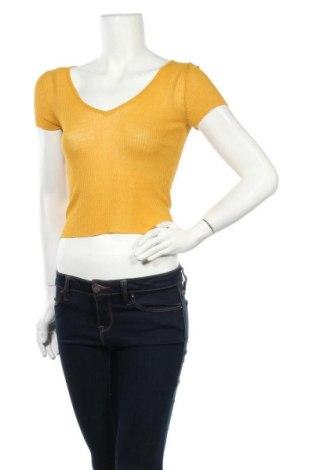 Γυναικεία μπλούζα Bershka, Μέγεθος S, Χρώμα Κίτρινο, 88% βισκόζη, 12% πολυαμίδη, Τιμή 1,59€