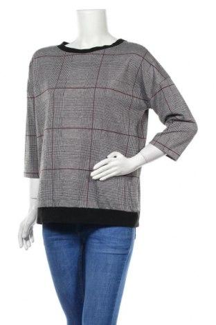 Дамска блуза Essentials by Tchibo, Размер M, Цвят Черен, 98% полиестер, 2% еластан, Цена 4,20лв.