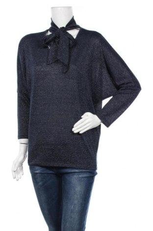 Дамска блуза Via Appia, Размер M, Цвят Син, 50% полиестер, 27% вискоза, 18% метални нишки, 5% еластан, Цена 6,18лв.