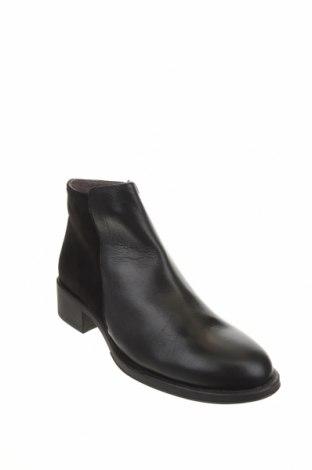 Дамски боти, Размер 39, Цвят Черен, Естествена кожа, естествен велур, Цена 119,00лв.