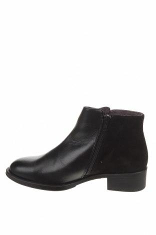 Дамски боти, Размер 38, Цвят Черен, Естествена кожа, естествен велур, Цена 119,00лв.