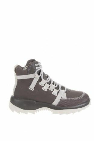 Мъжки обувки Camper, Размер 42, Цвят Сив, Естествена кожа, текстил, Цена 312,00лв.