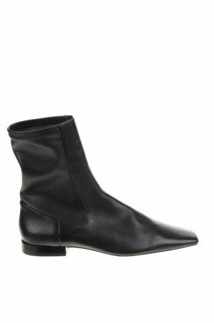 Дамски боти Zara, Размер 37, Цвят Черен, Естествена кожа, Цена 74,25лв.