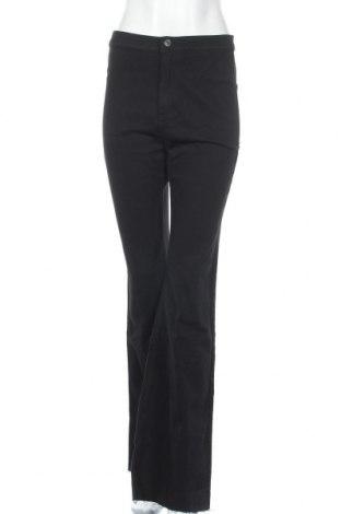 Γυναικείο Τζίν Bershka, Μέγεθος L, Χρώμα Μαύρο, 98% βαμβάκι, 2% ελαστάνη, Τιμή 22,81€
