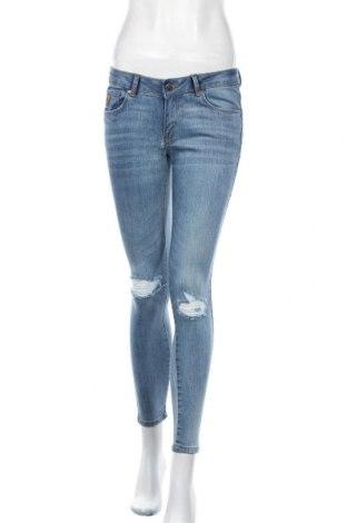 Дамски дънки Lois, Размер M, Цвят Син, 92% памук, 6% полиестер, 2% еластан, Цена 31,15лв.