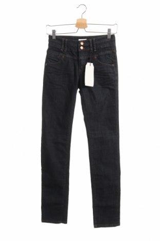 Дамски дънки Q/S by S.Oliver, Размер XS, Цвят Син, 65% памук, 35% полиестер, Цена 51,75лв.