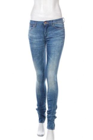 Дамски дънки Wrangler, Размер M, Цвят Син, 98% памук, 2% еластан, Цена 20,30лв.