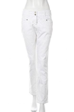 Дамски джинси Bpc Bonprix Collection, Размер M, Цвят Бял, 98% памук, 2% еластан, Цена 7,00лв.