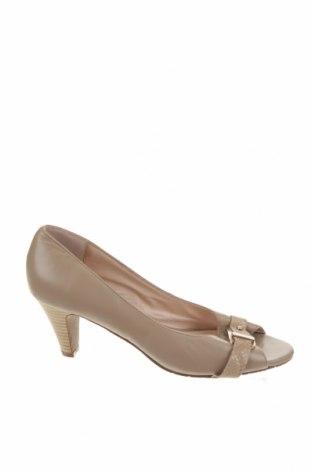 Дамски обувки, Размер 39, Цвят Бежов, Естествена кожа, Цена 44,52лв.