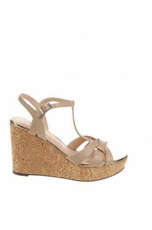 Дамски обувки Pacomena by Menbur, Размер 39, Цвят Бежов, Еко кожа, Цена 43,34лв.