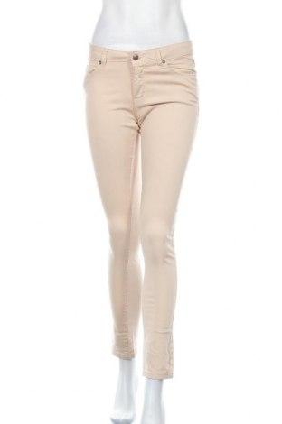 Дамски панталон Lois, Размер M, Цвят Бежов, 97% памук, 3% еластан, Цена 31,15лв.