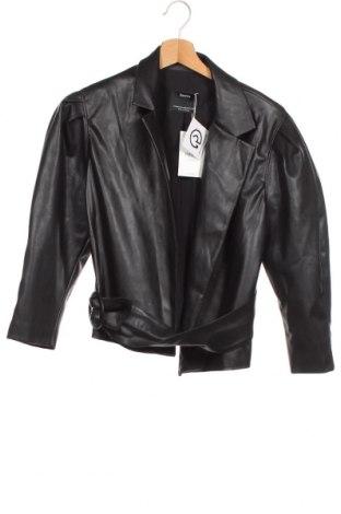 Дамско кожено яке Bershka, Размер XS, Цвят Черен, Еко кожа, Цена 51,75лв.