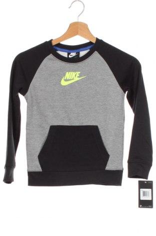 Παιδική μπλούζα Nike, Μέγεθος 5-6y/ 116-122 εκ., Χρώμα Γκρί, 60% βαμβάκι, 40% πολυεστέρας, Τιμή 22,20€