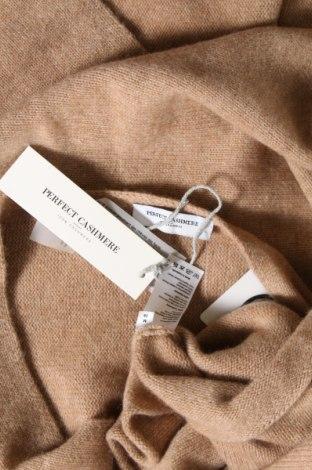 Пончо Perfect Cashmere, Размер M, Цвят Бежов, 100% кашмир, Цена 141,75лв.