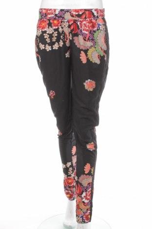 Pantaloni de femei Vero Moda