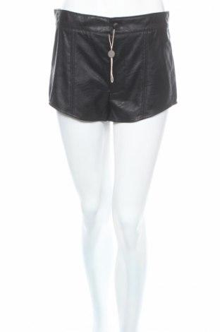 Дамски къс кожен панталон Vicolo