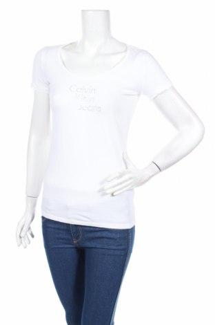 Γυναικείο t-shirt Calvin Klein Jeans, Μέγεθος M, Χρώμα Λευκό, 95% βαμβάκι, 5% ελαστάνη, Τιμή 22,78€